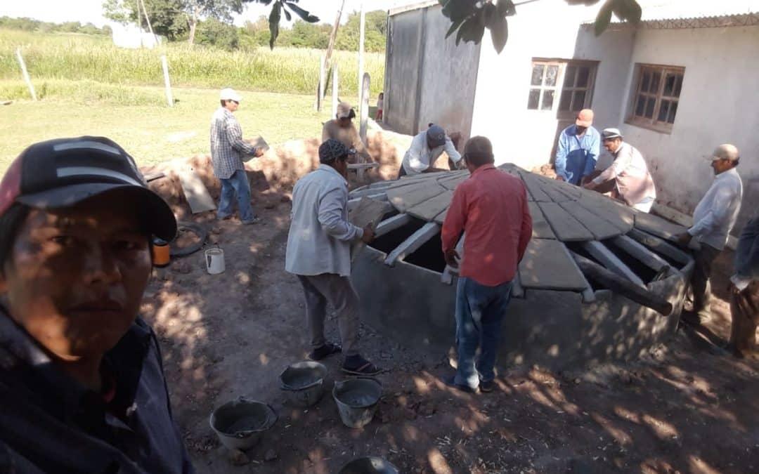 Construimos aljibes de agua en comunidad Moqoit